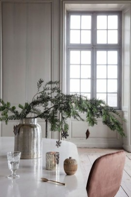 Awesome Scandinavian Christmas Decor Ideas 07