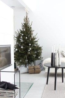 Awesome Scandinavian Christmas Decor Ideas 29