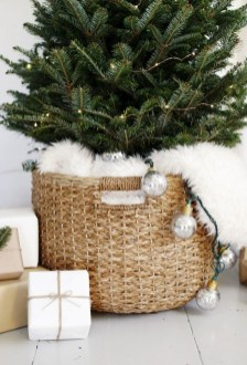 Awesome Scandinavian Christmas Decor Ideas 37