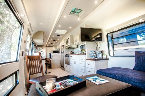 Beautiful Rv Remodel Camper Interior Ideas For Holiday 22