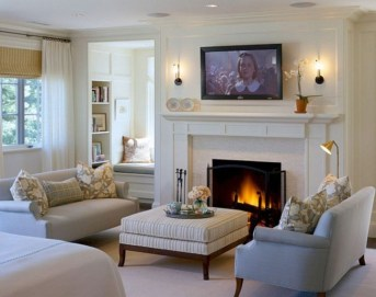 Comfy Winter Living Room Ideas With Fireplace 34