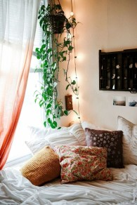Creative Bohemian Bedroom Decor Ideas 11