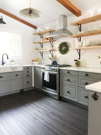 Cute Farmhouse Kitchen Remodel Ideas 28