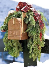 Cute Outdoor Christmas Decor Ideas 28