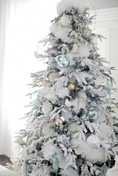 Extraordinary Christmas Tree Decor Ideas 28