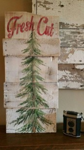 Fascinating Farmhouse Christmas Decor Ideas 13