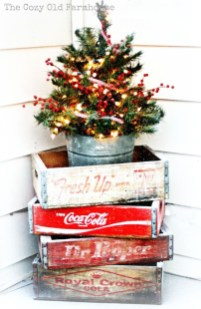 Fascinating Farmhouse Christmas Decor Ideas 30