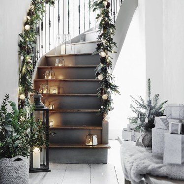 Unordinary Christmas Home Decor Ideas 18