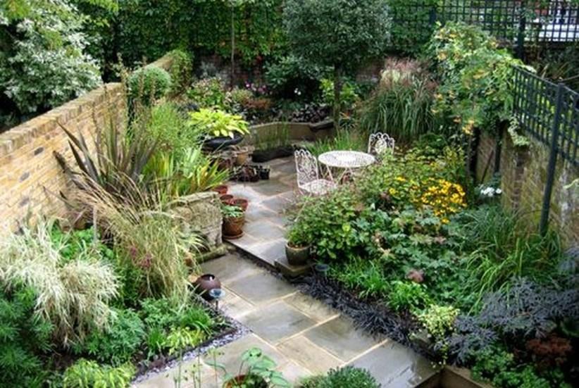Attractive Small Patio Garden Design Ideas For Your Backyard 01