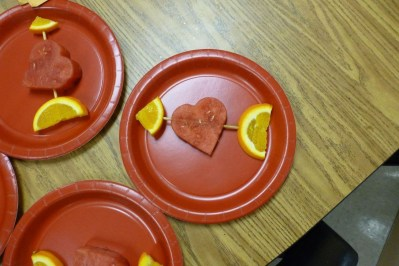 Awesome Classroom Party Decor Ideas For Valentines Day 01