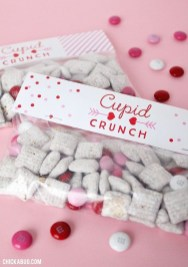 Awesome Classroom Party Decor Ideas For Valentines Day 02