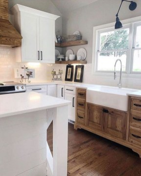 Awesome Farmhouse Kitchen Design Ideas 34