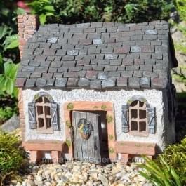 Magnificient Diy Fairy Garden Ideas With Plants 46