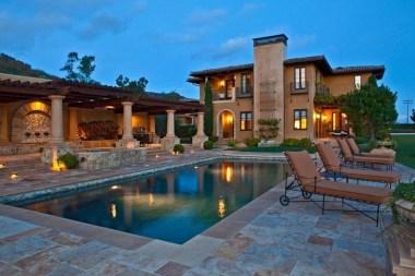 Perfect Mediteranean Swimming Pool Design Ideas 57
