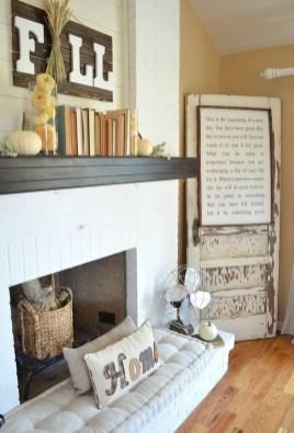 Popular Farmhouse Mantel Decorating Ideas 38
