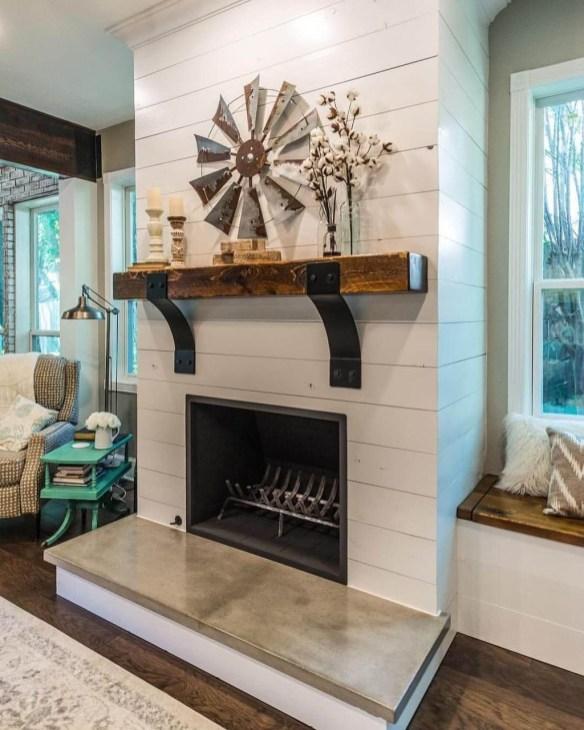 Popular Farmhouse Mantel Decorating Ideas 50