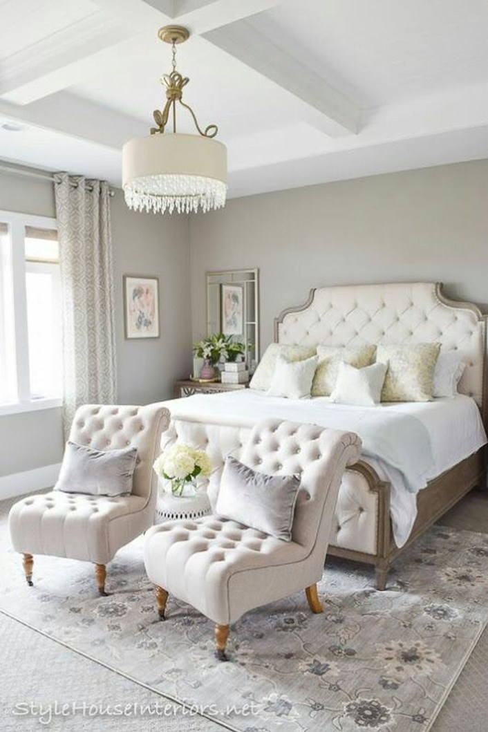 Pretty Chandelier Lamp Design Ideas For Your Bedroom 08