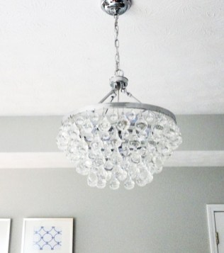 Pretty Chandelier Lamp Design Ideas For Your Bedroom 54