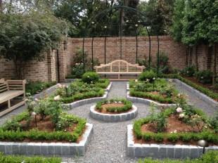 Smart Garden Design Ideas For Front Your House 47