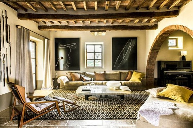 Luxury European Living Room Decor Ideas With Tuscan Style 36
