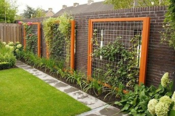Cute Garden Fences Walls Ideas 02