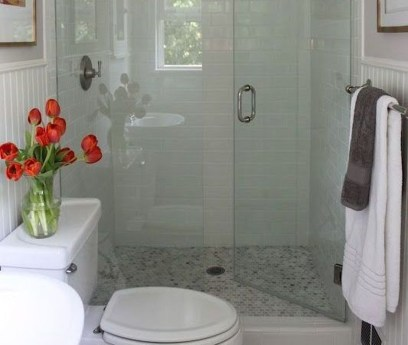 Elegant Bathroom Makeovers Ideas For Small Space 24