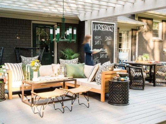 Incredible Autumn Decorating Ideas For Backyard 37