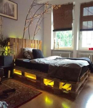 Striking Bed Design Ideas For Bedroom 37