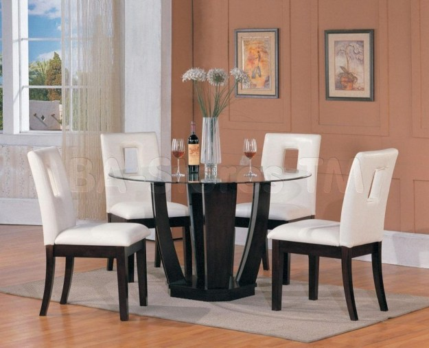 Striking Round Glass Table Designs Ideas For Dining Room 32