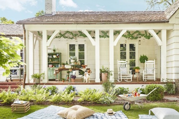 Comfy Porch Design Ideas For Backyard 39