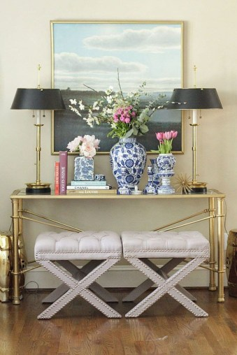 Fancy Living Room Decor Ideas With Ginger Jar Lamps 49