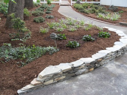 Gorgeous Front Yard Retaining Wall Ideas For Front House 09