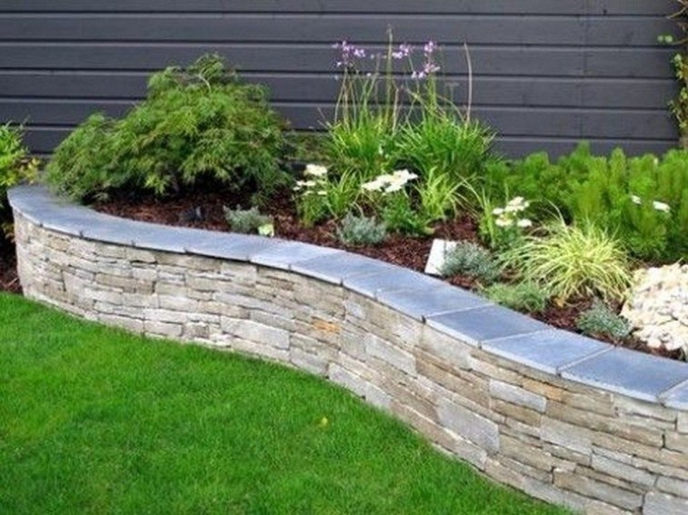 Gorgeous Front Yard Retaining Wall Ideas For Front House 44