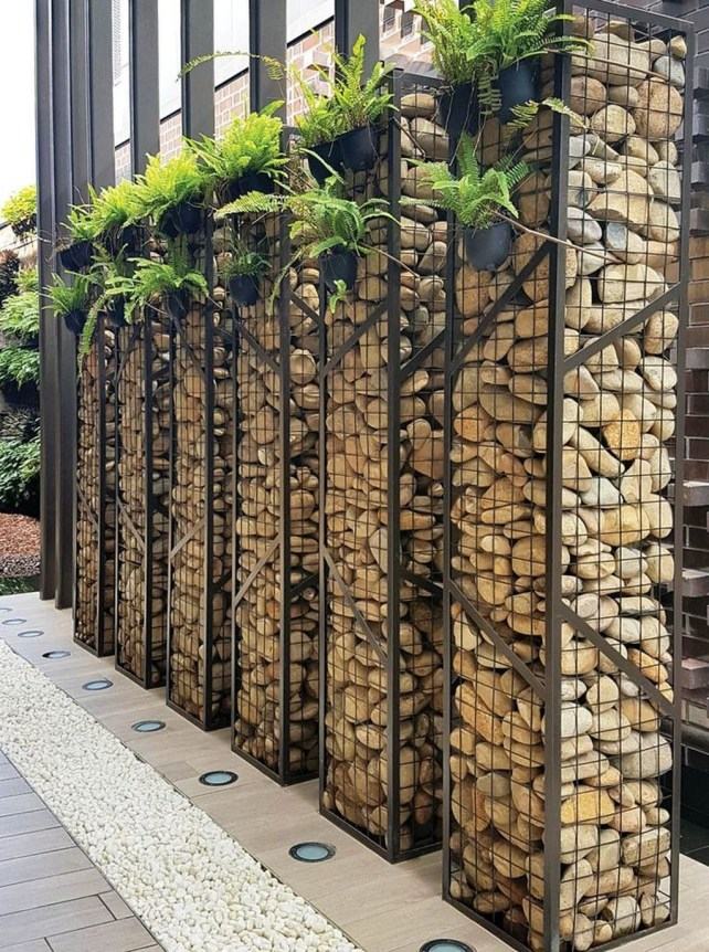 Gorgeous Front Yard Retaining Wall Ideas For Front House 57