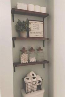 Popular Farmhouse Small Bathroom Decorating Ideas 04
