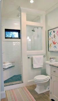 Popular Farmhouse Small Bathroom Decorating Ideas 39