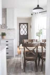 Popular Small Farmhouse Design Ideas To Style Up Your Home 38