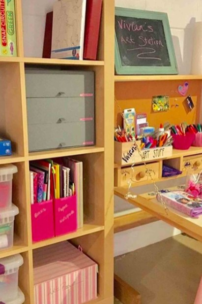 Cozy Bookcase Ideas For Kids Room 17