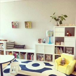 Cozy Bookcase Ideas For Kids Room 30