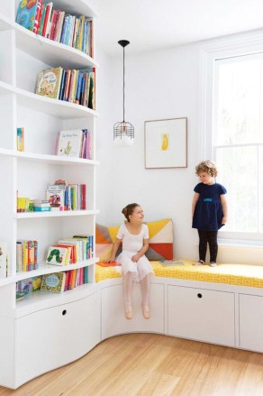 Cozy Bookcase Ideas For Kids Room 35