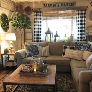Fancy Farmhouse Living Room Decor Ideas To Try 16