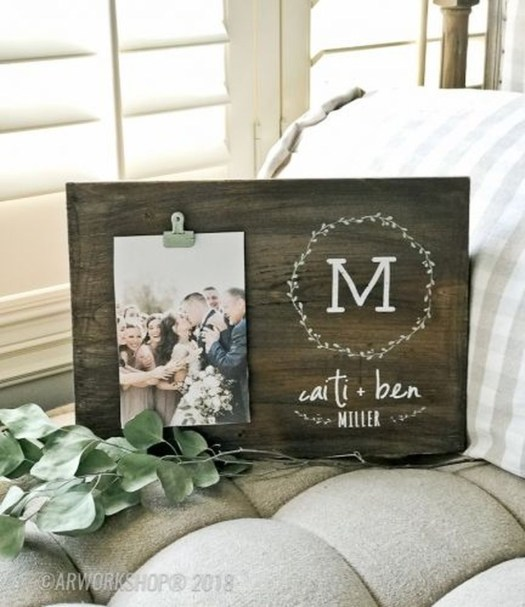 Fascinating Wood Photo Frame Ideas For Antique Home 29