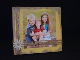 Fascinating Wood Photo Frame Ideas For Antique Home 32
