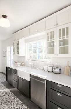 Unusual White Kitchen Design Ideas To Try 43