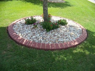 Adorable Flower Beds Ideas Around Trees To Beautify Your Yard 32