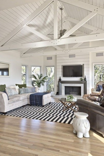 Catchy Farmhouse Decor Ideas For Living Room This Year 32