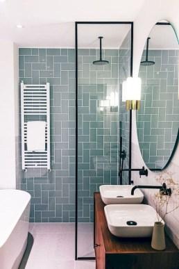 Chic Farmhouse Bathroom Desgn Ideas With Shower 42