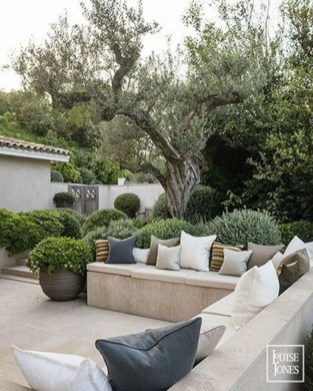 Classy Backyard Makeovers Ideas On A Budget To Try 01