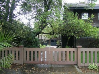 Dreamy Bamboo Fence Ideas For Small Houses To Try 20