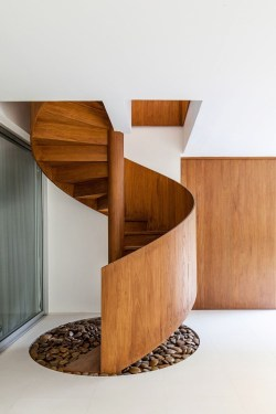 Gorgeous Wooden Staircase Design Ideas For Branching Out 07